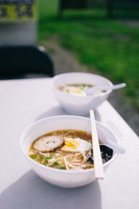 what is the difference between pho and ramen